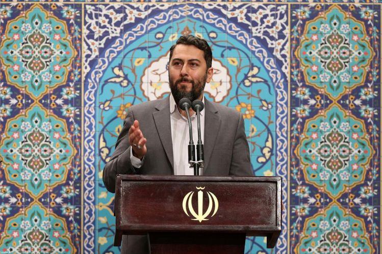 شعرخوانی احمد بابایی از تهران در محضر رهبر انقلاب