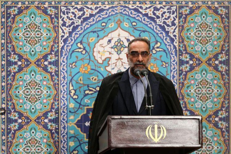 مداحی حاج محمود شریفی از کاشان در محضر رهبر انقلاب