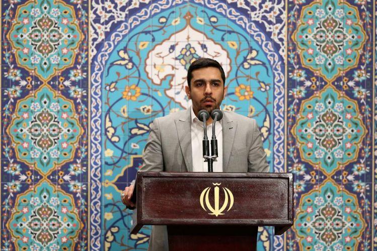 مداحی حاج حنیف طاهری از تهران در محضر رهبر انقلاب